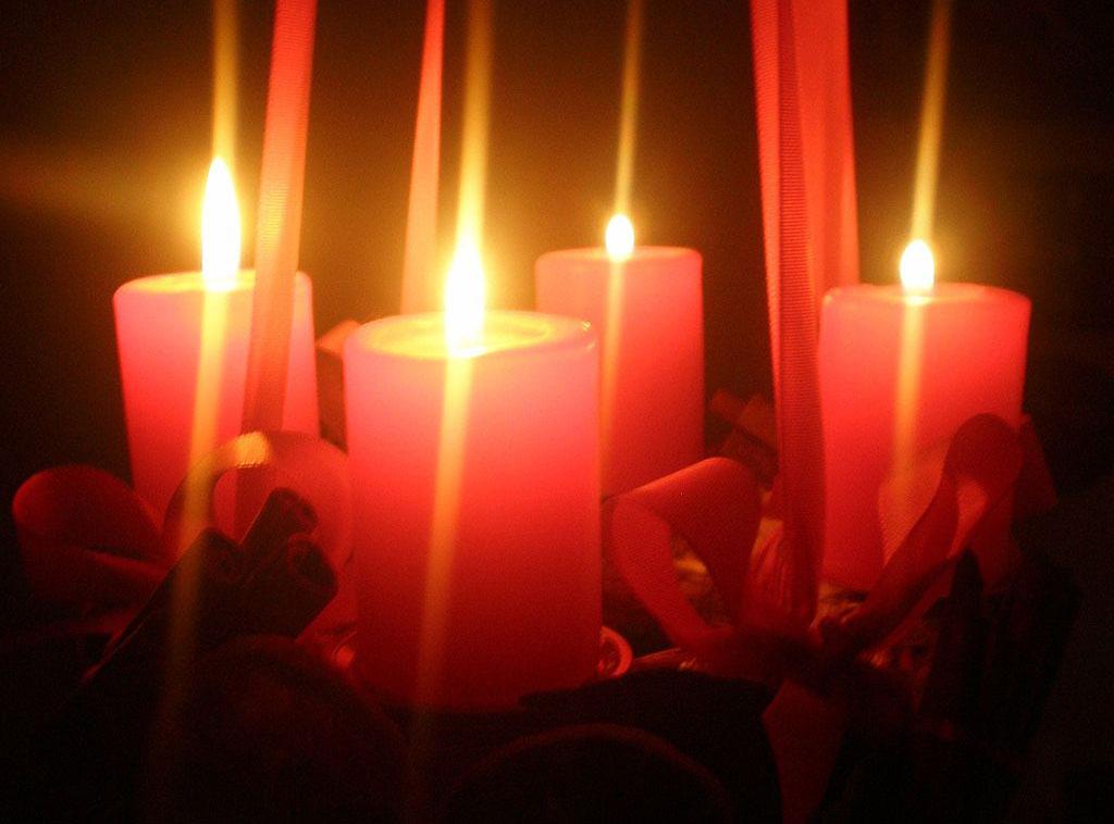 Adventzeit, brennende Kerzen
